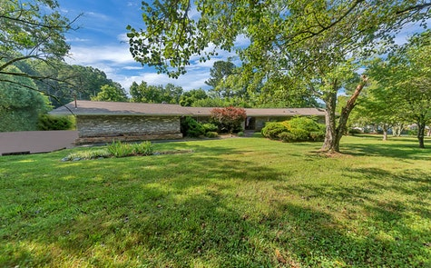 3328 Cunningham Road Knoxville, TN 37918